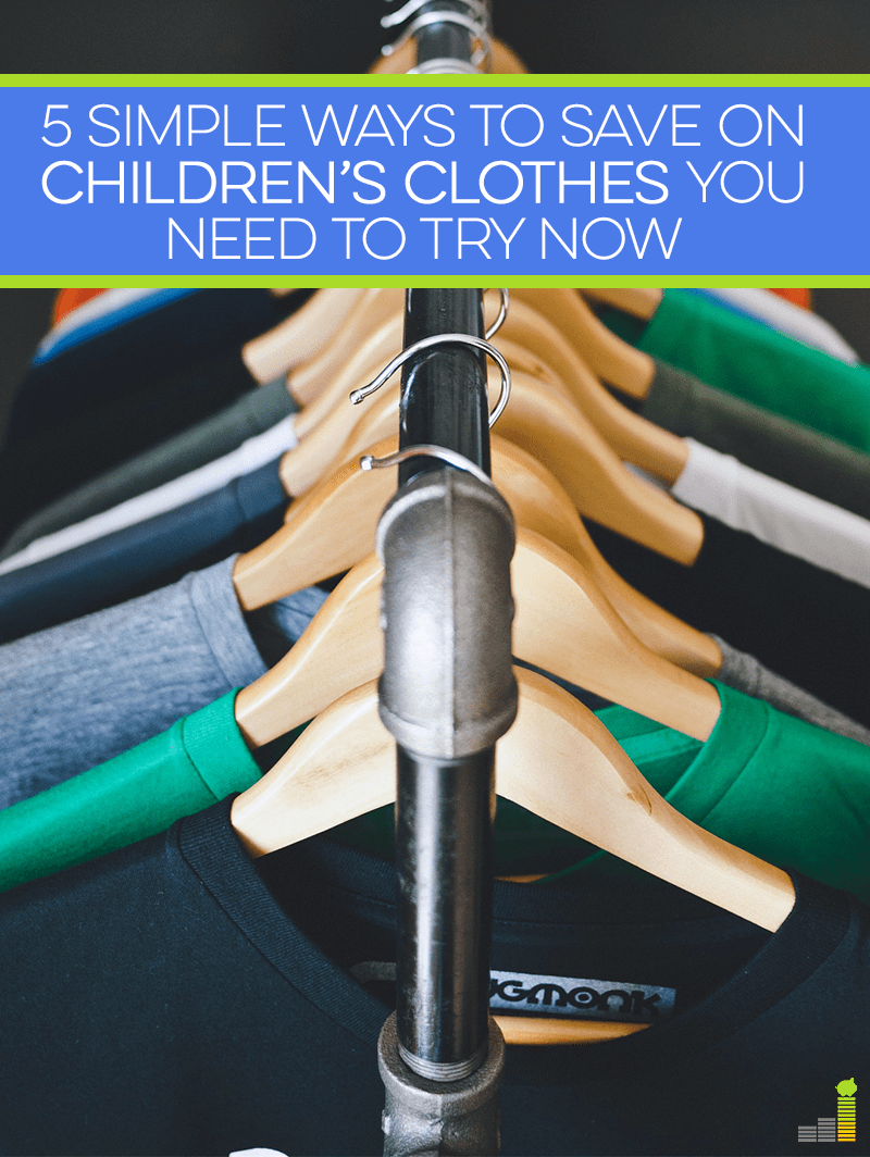 Children's clothes can be very expensive, but they don't have to be. Save money on children's clothes with these 5 tips!