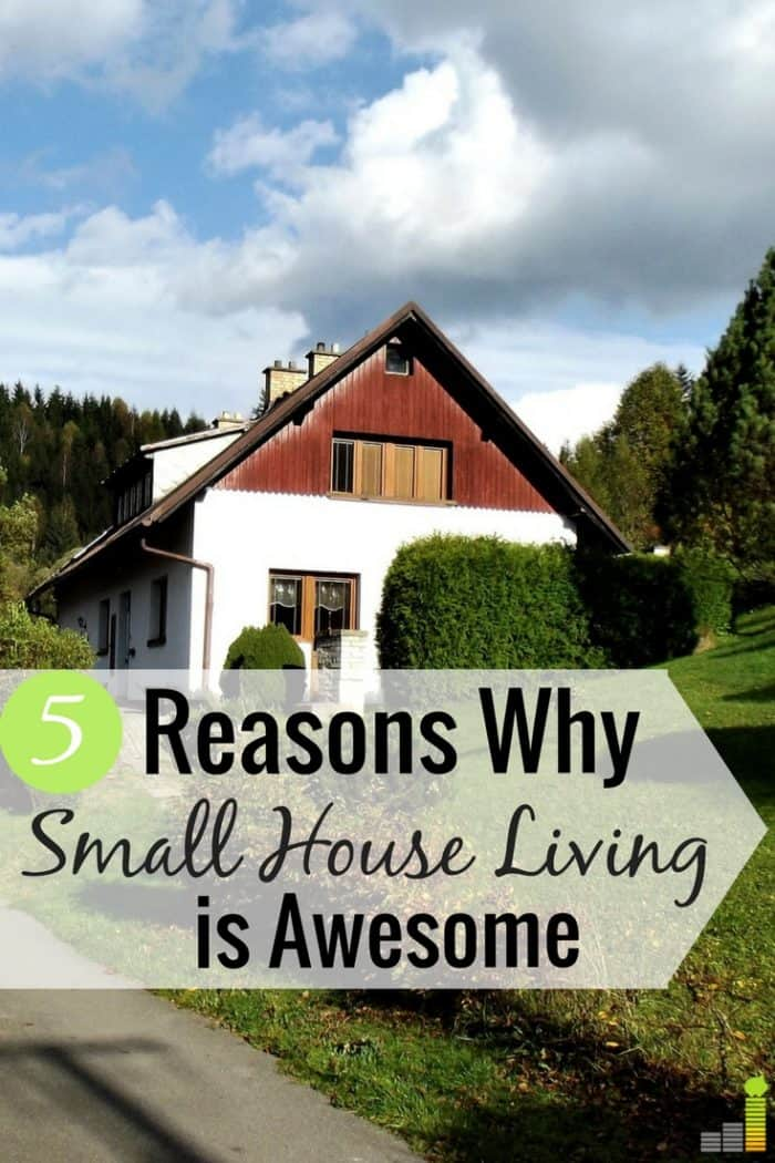 Living in a small house seems bad, but there are many benefits to it. Here are 5 things I love about living in a small house and how it helps us save money.