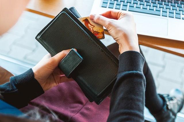 Choosing the Right Travel Reward Credit Card