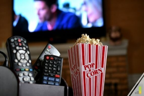 The best alternatives to cable TV help you save money and still watch what you want. Here are the 15 best cable TV alternatives to save you big bucks.