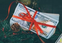 Want to make extra money before Christmas but don't know how? Here are 22 ways to earn extra money before the holidays with little to no skill.