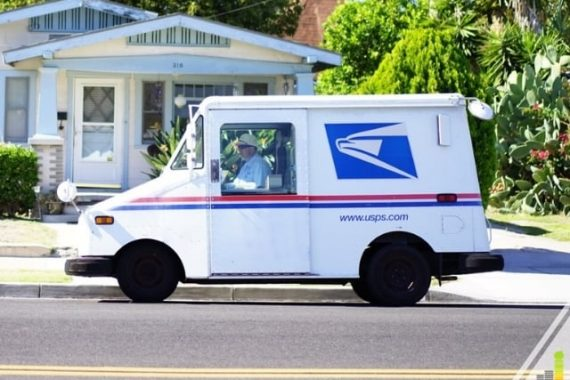 Is there mail today? It's easy to get confused about the USPS holidays and if you will get mail. Here's how to know if there's delivery today.